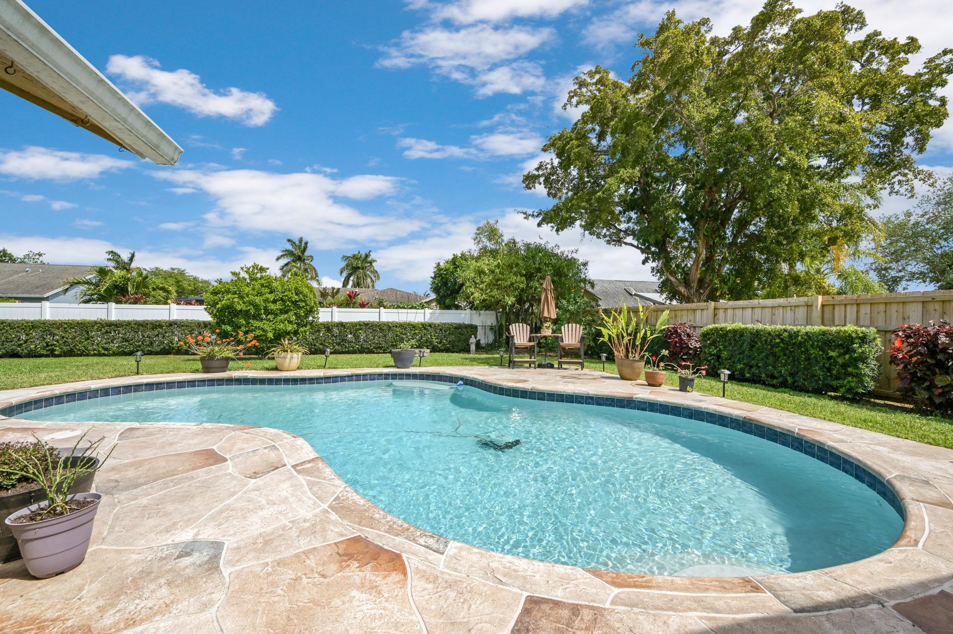 148 Viscaya Avenue Royal Palm Beach, FL 33411 photo 25