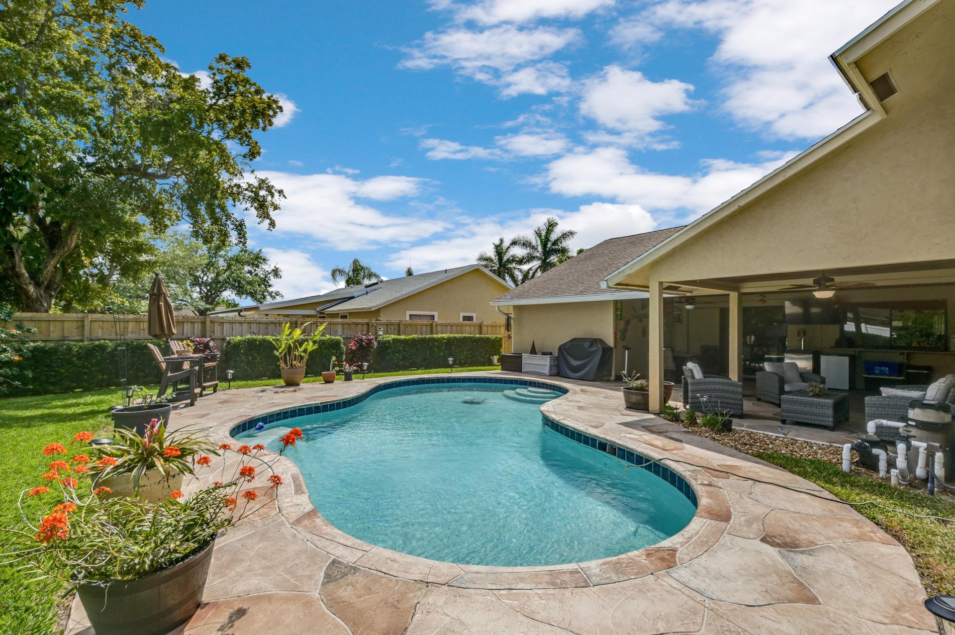 148 Viscaya Avenue Royal Palm Beach, FL 33411 photo 29