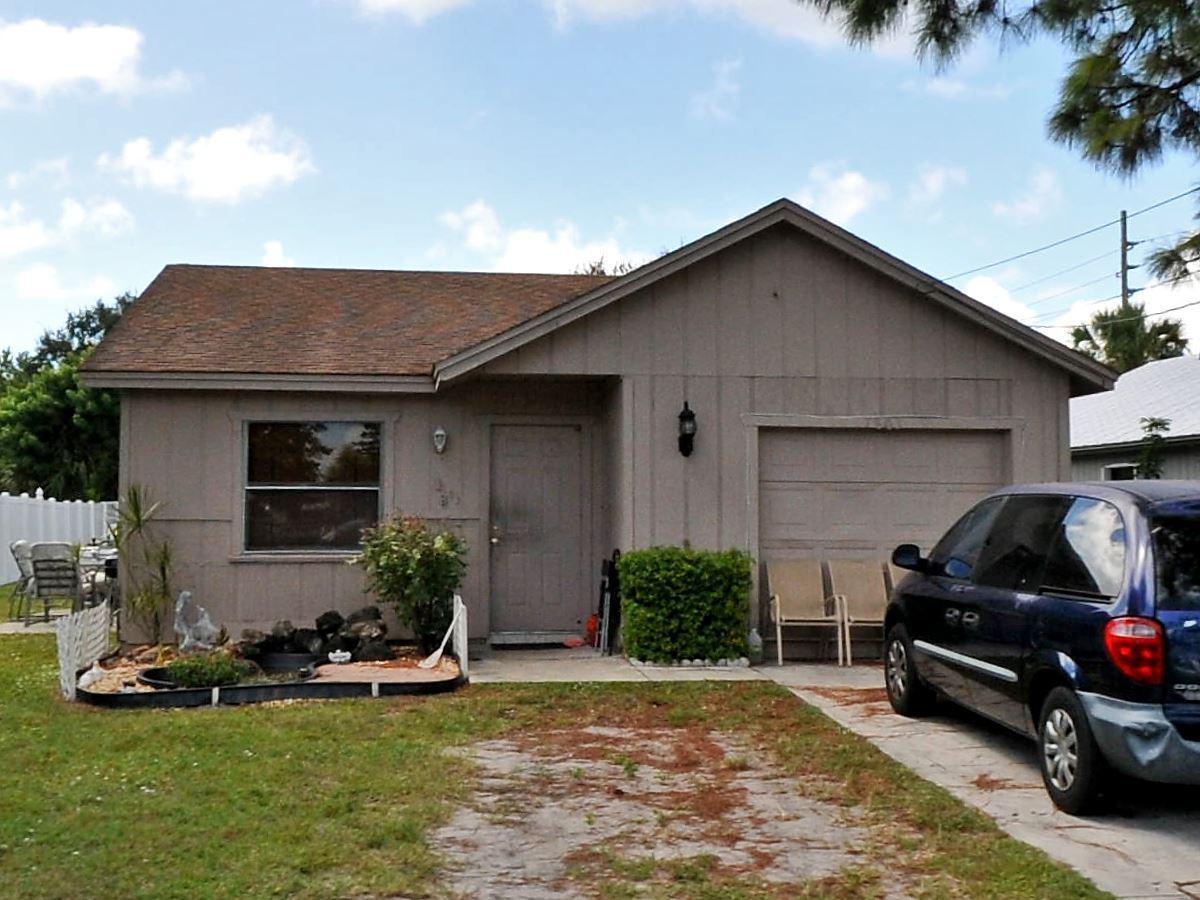 1803 S 27th S Street, Fort Pierce, FL 34947