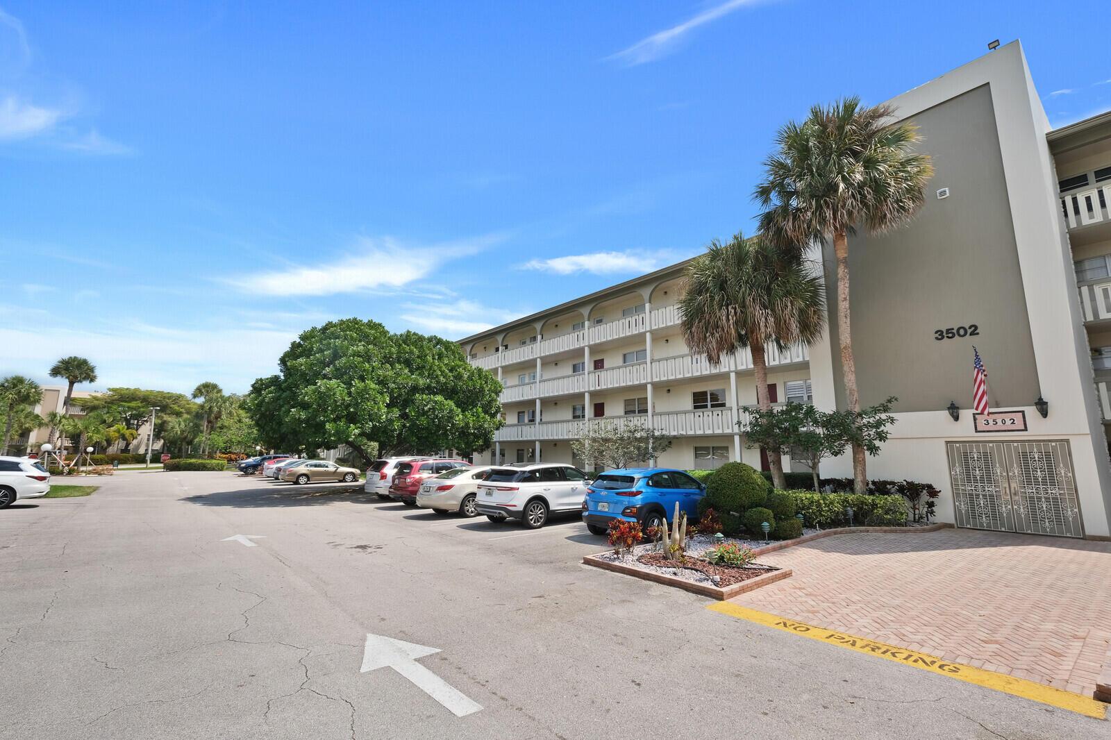 Home for sale in WYNMOOR-BIMINI Coconut Creek Florida
