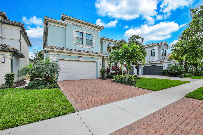 9482  Eden Roc Court  For Sale 10699527, FL