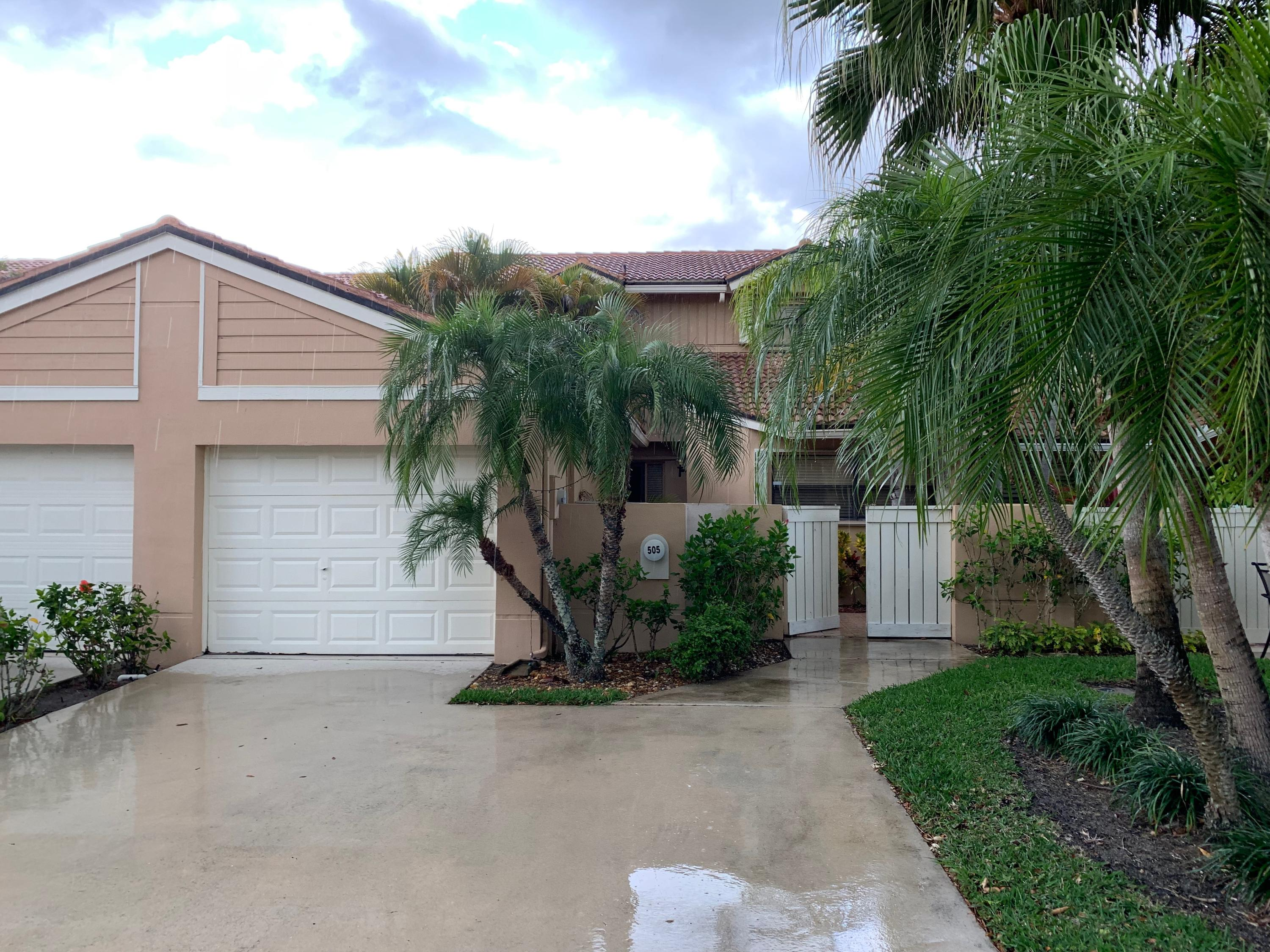 Renovated large townhome with great panoramic views of the championship golf course.  Fully furnished and ready to go.  Terrific patio and bright. Garage.For offseason until Nov 30