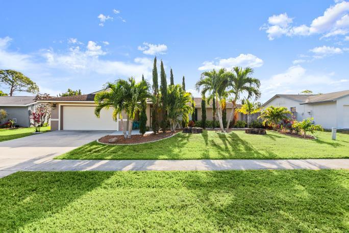 159 Dove Circle Royal Palm Beach, FL 33411
