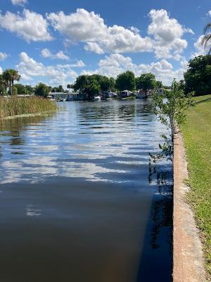 Home for sale in Taylor Creek Isles Okeechobee Florida