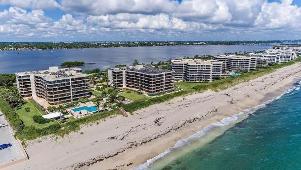 Set on a lush 11 acres of oceanfront property, The Halcyon is a premier building with world class amenities. Here you will enjoy the clay tennis courts, a private beach, 24hr staff, on site management and fitness center. Terrific 2/2 with west exposure. Split floor plan with updated kitchen.