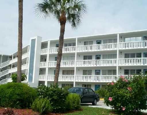 112 Greenbrier A West Palm Beach, FL 33417