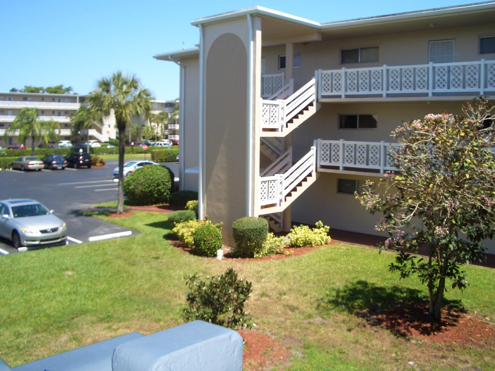 2682 Garden Drive 203 Lake Worth, FL 33461