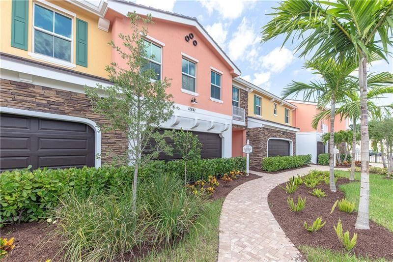 12837 Trevi Isle Drive 13  Palm Beach Gardens FL 33418