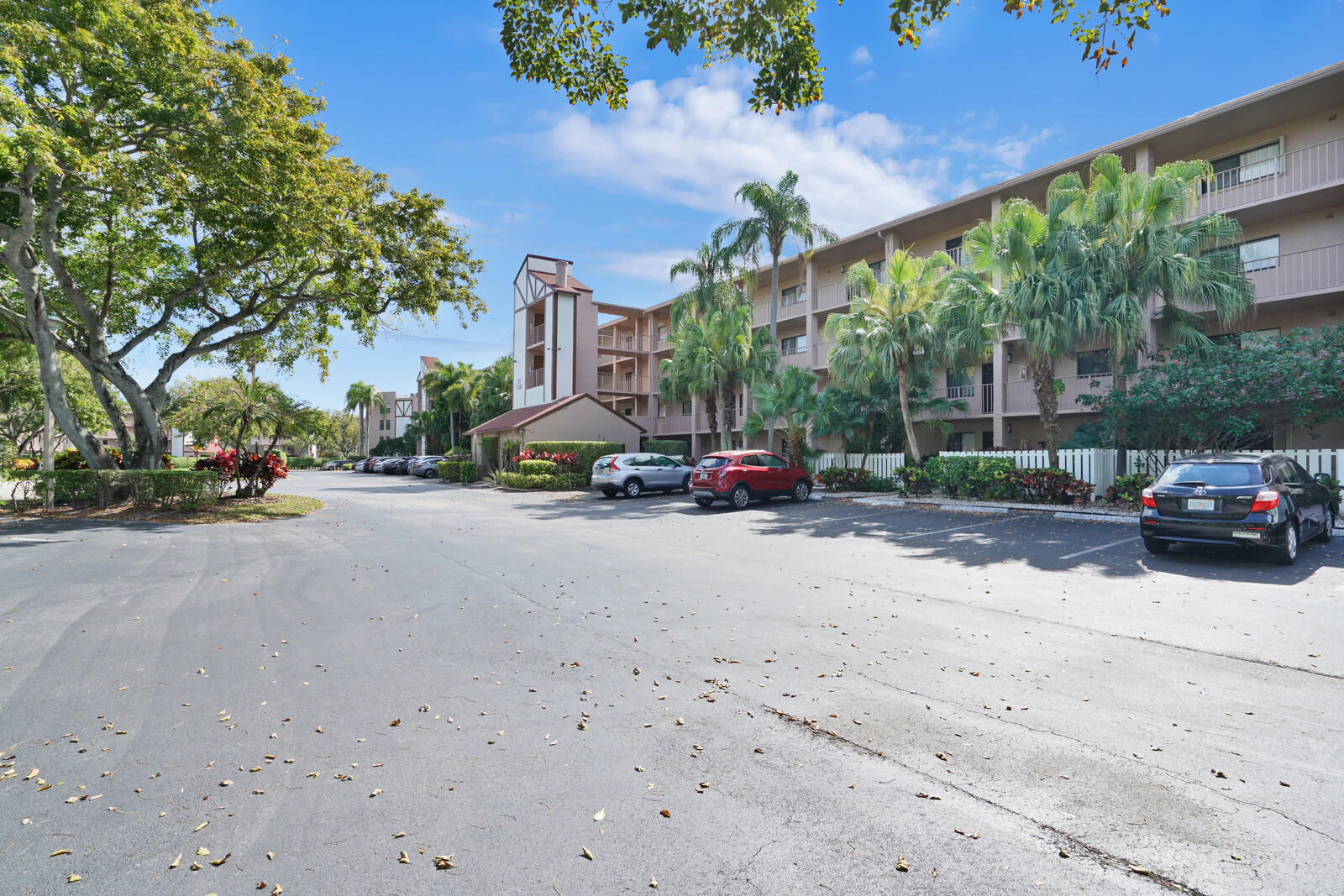 7300  Amberly Lane 310 For Sale 10703808, FL