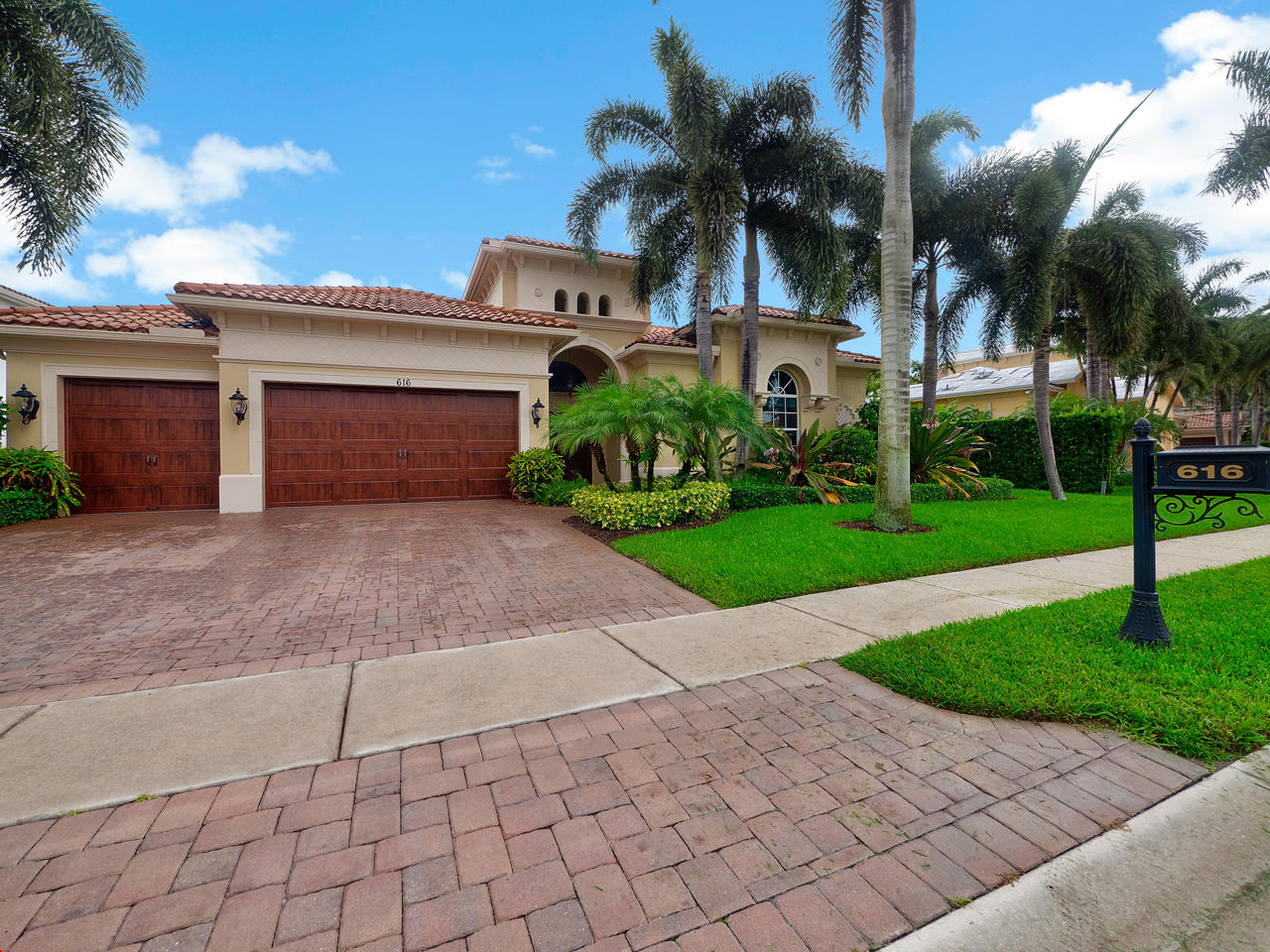 616 Hermitage Circle Palm Beach Gardens, FL 33410