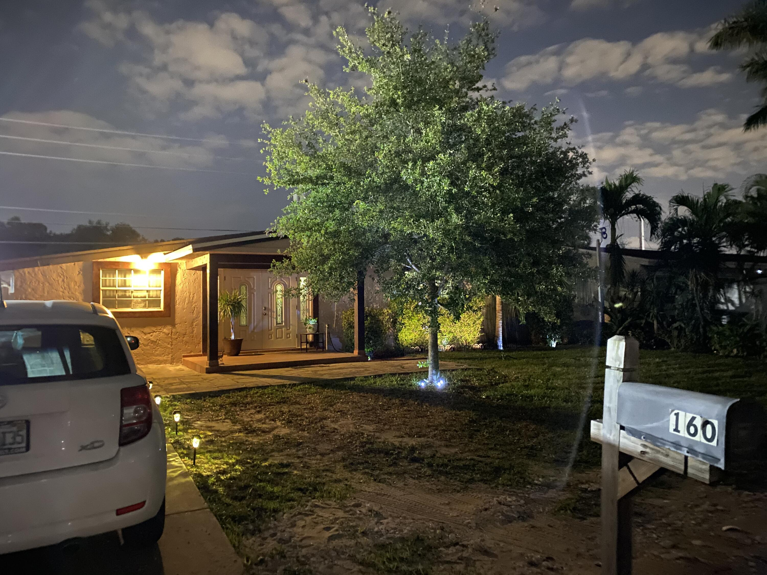 160 E Browning Drive  For Sale 10703931, FL