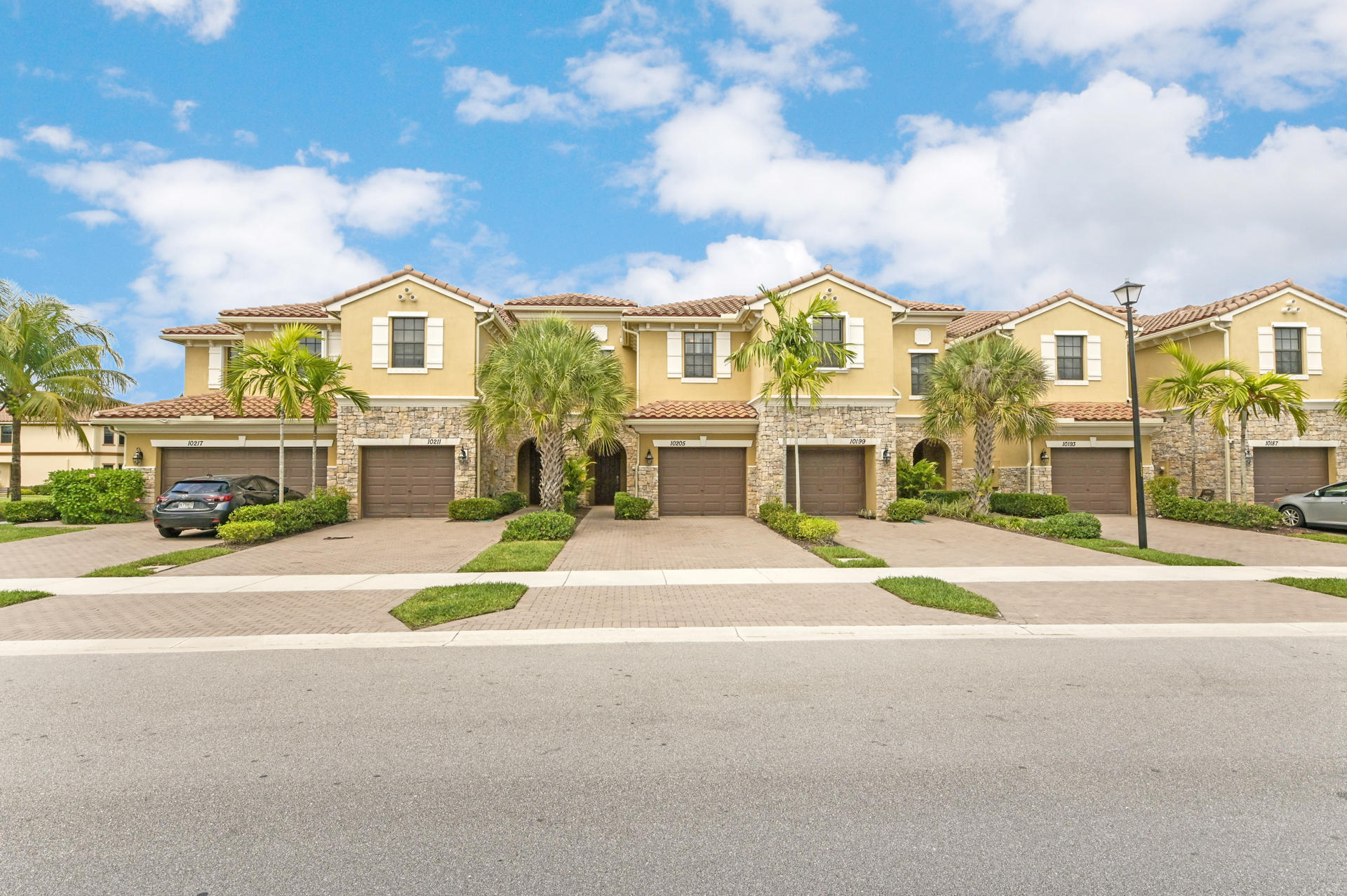 10205 Wellington Parc Drive Wellington, FL 33449 photo 2