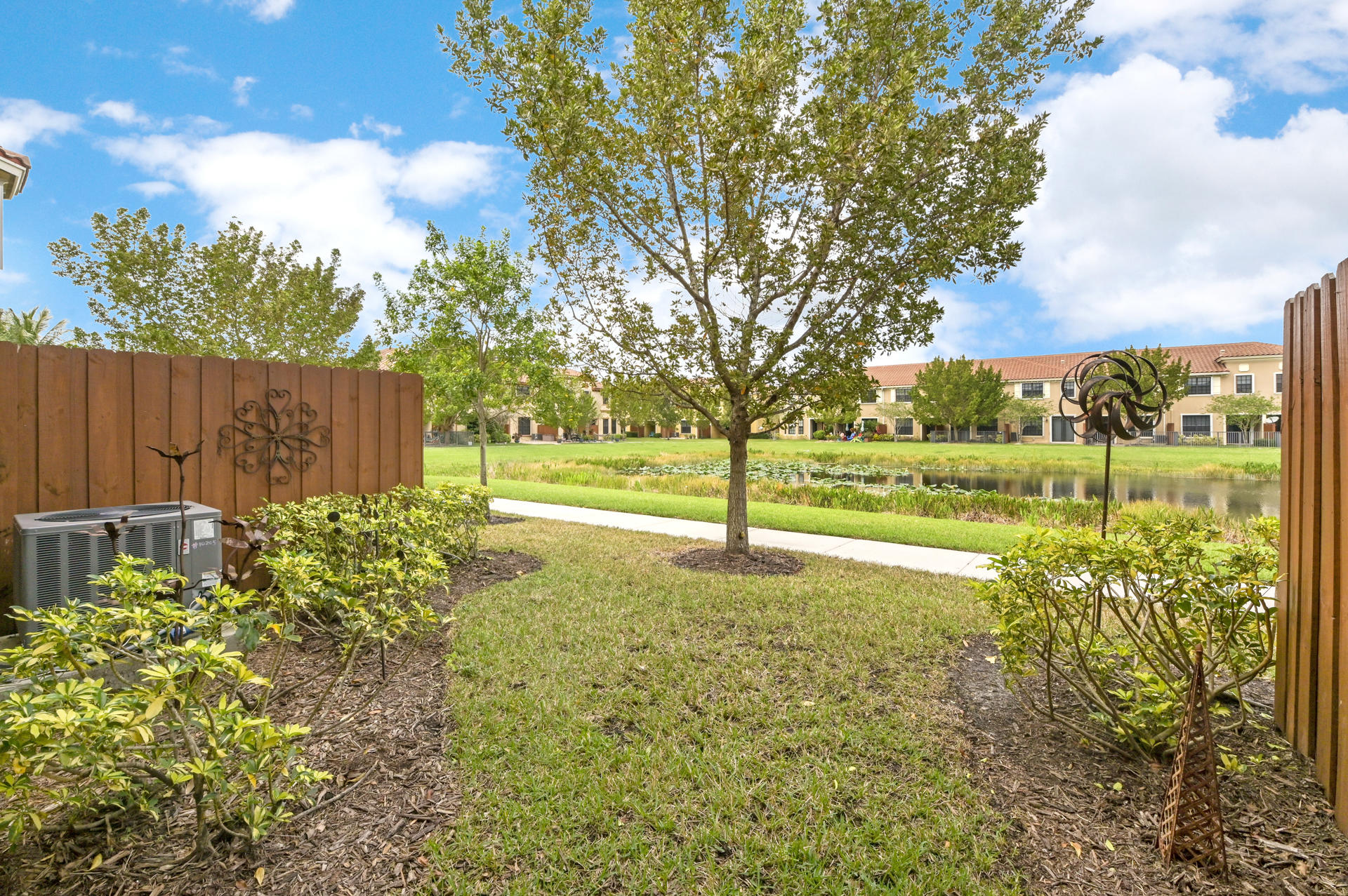 10205 Wellington Parc Drive Wellington, FL 33449 photo 21
