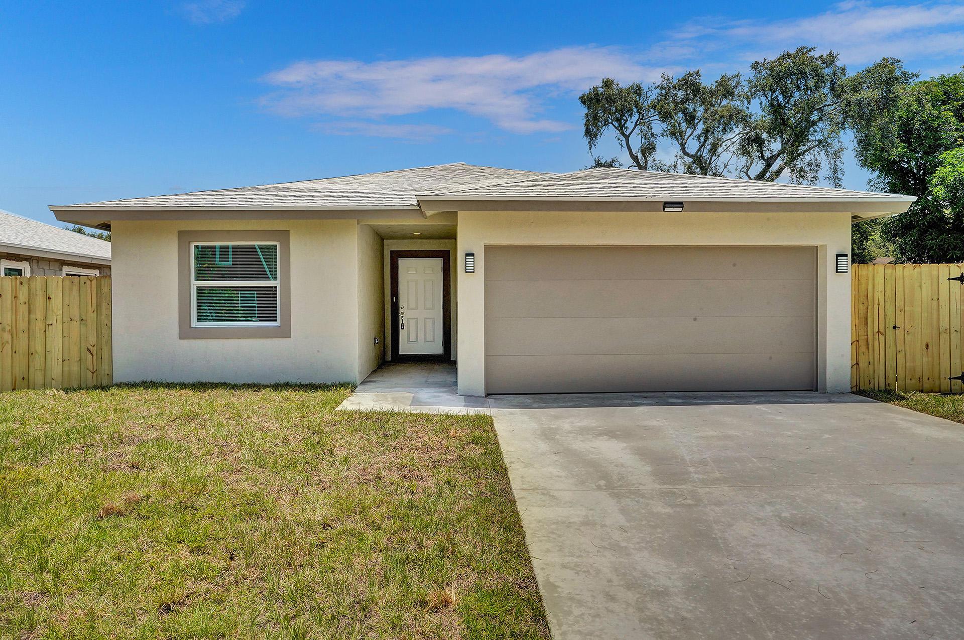 2810  Saranac Avenue  For Sale 10704197, FL