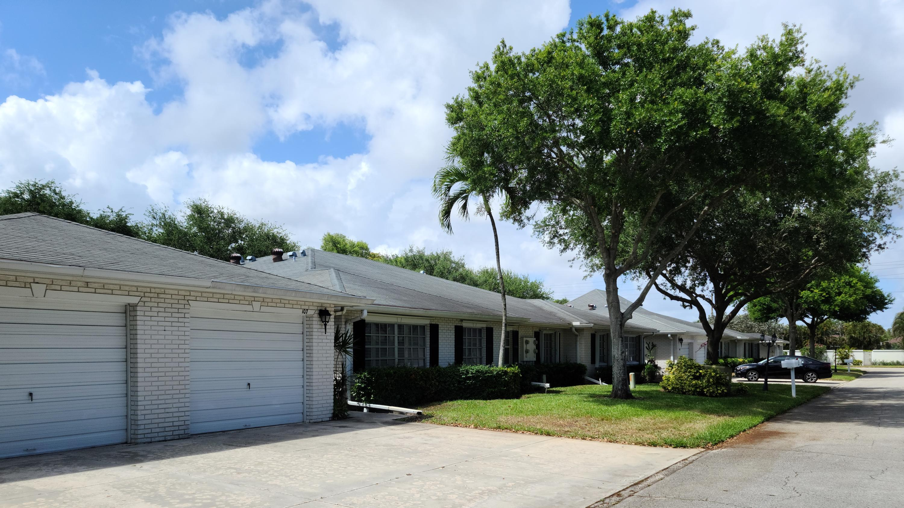 10109  42nd Drive 107 For Sale 10704215, FL