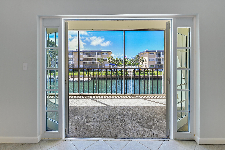 Home for sale in Hampton House Condominium North Palm Beach Florida