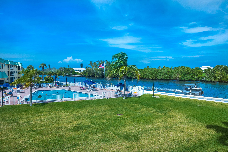 6 Colonial Club Drive 202 Boynton Beach, FL 33435