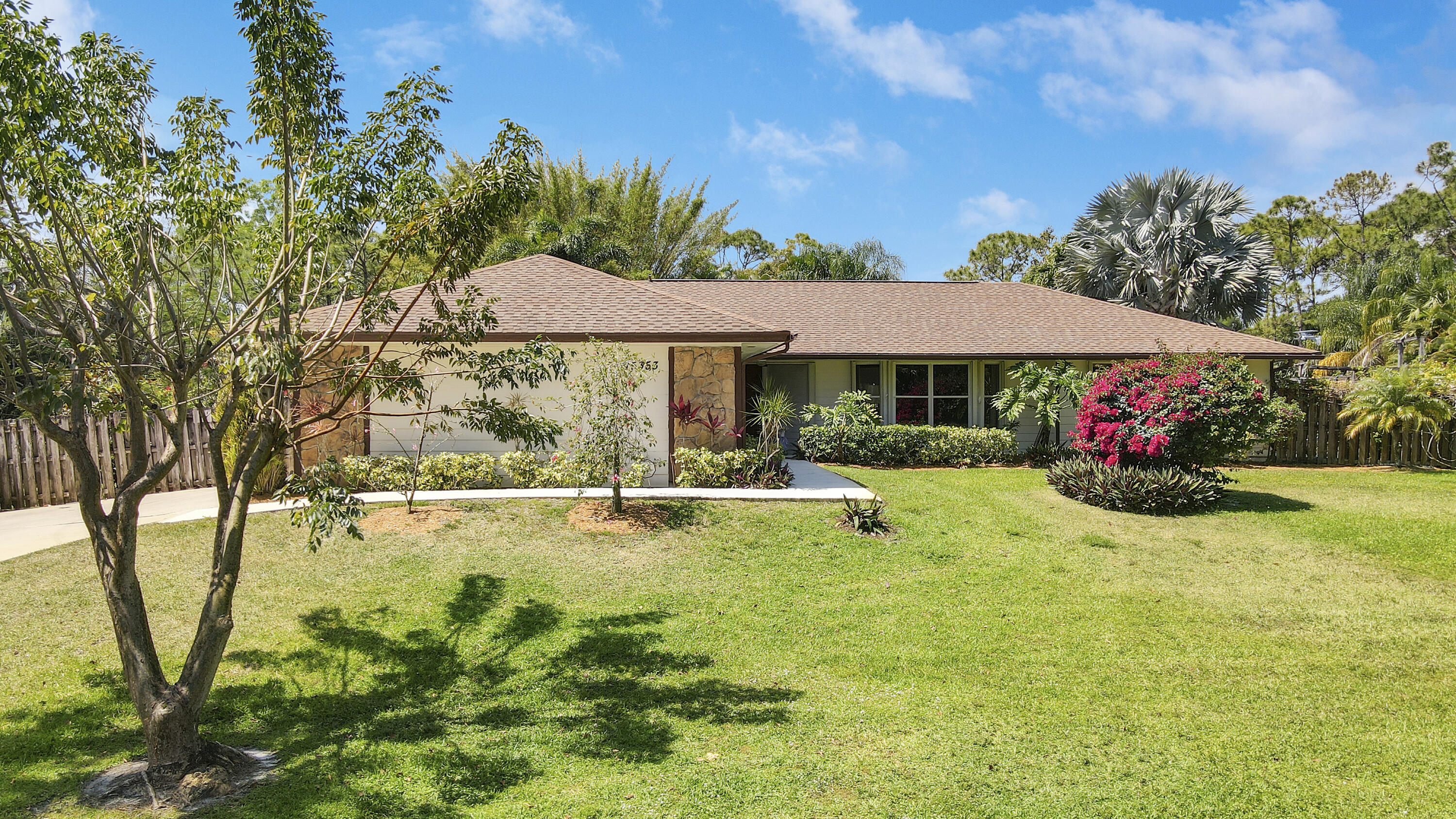 Home for sale in PALM BCH COUNTRY EST Palm Beach Gardens Florida