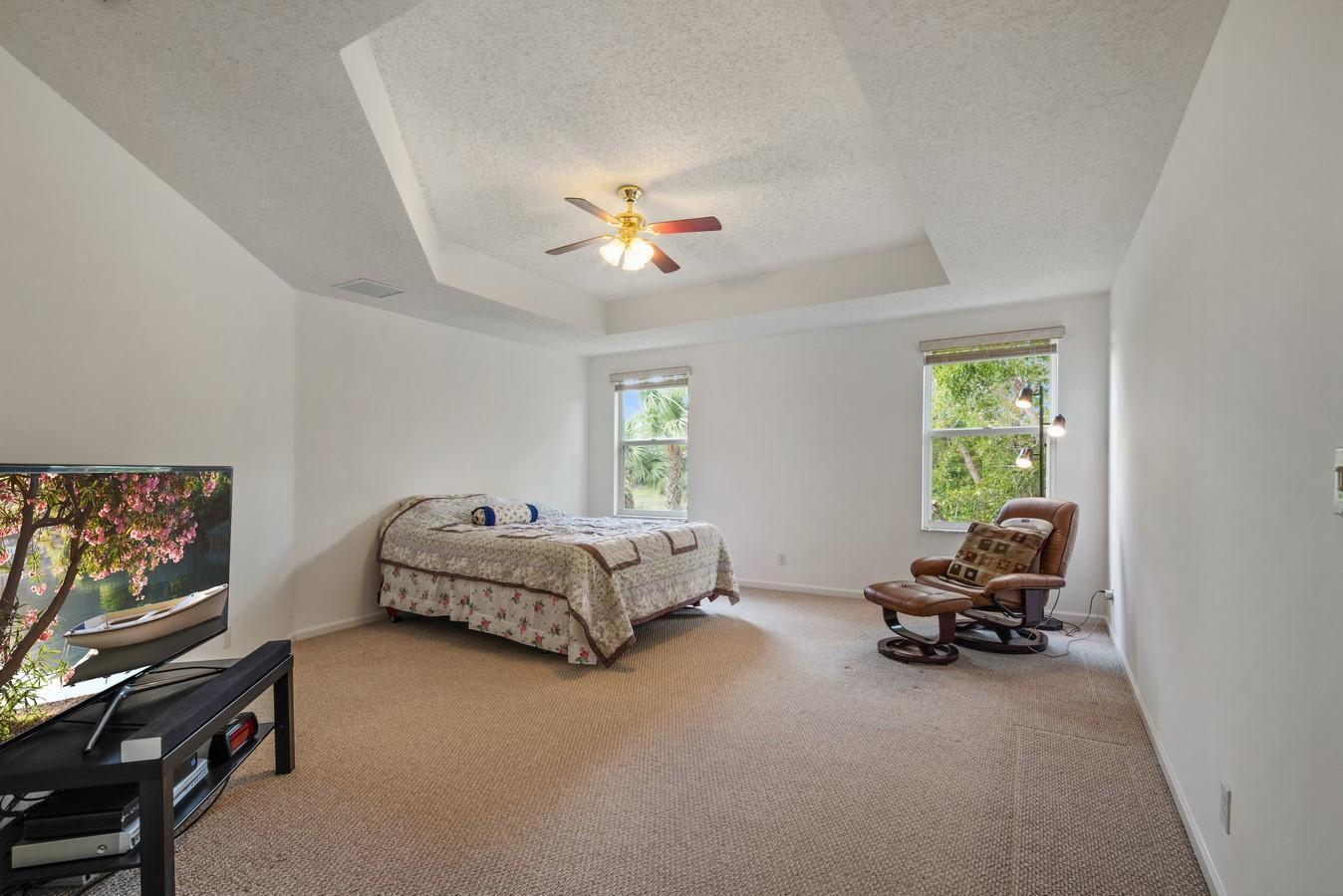 220 Kensington Way Wellington, FL 33414 photo 15
