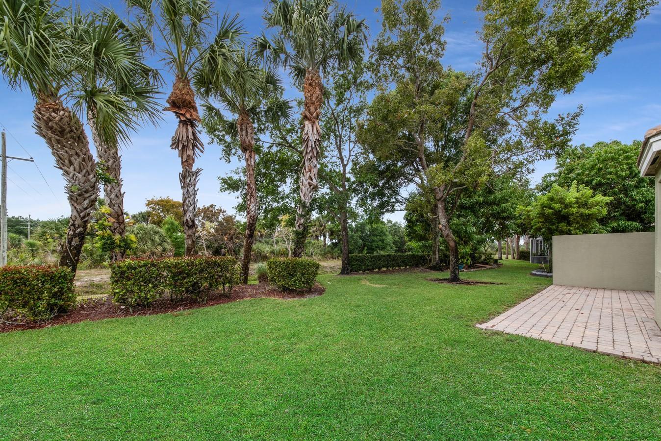 220 Kensington Way Wellington, FL 33414 photo 28