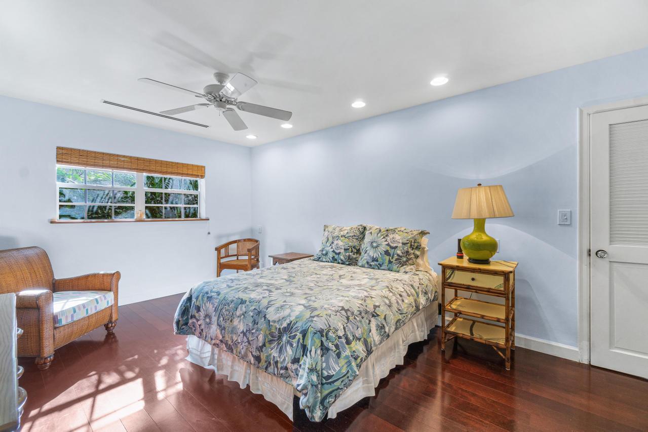 024-218 MediterraneanRoad-Palm Beach Bed