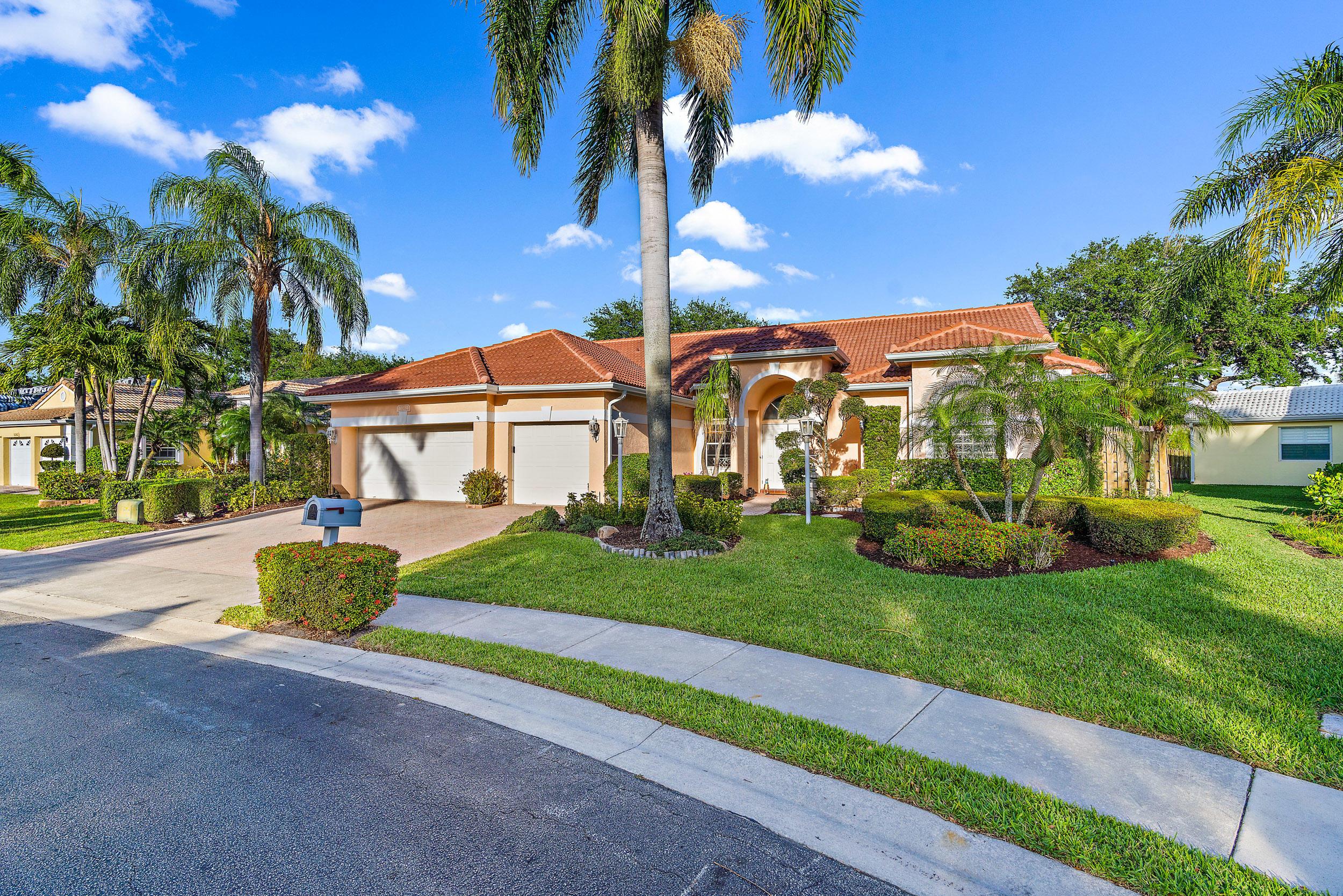 Home for sale in Siena Oaks Palm Beach Gardens Florida