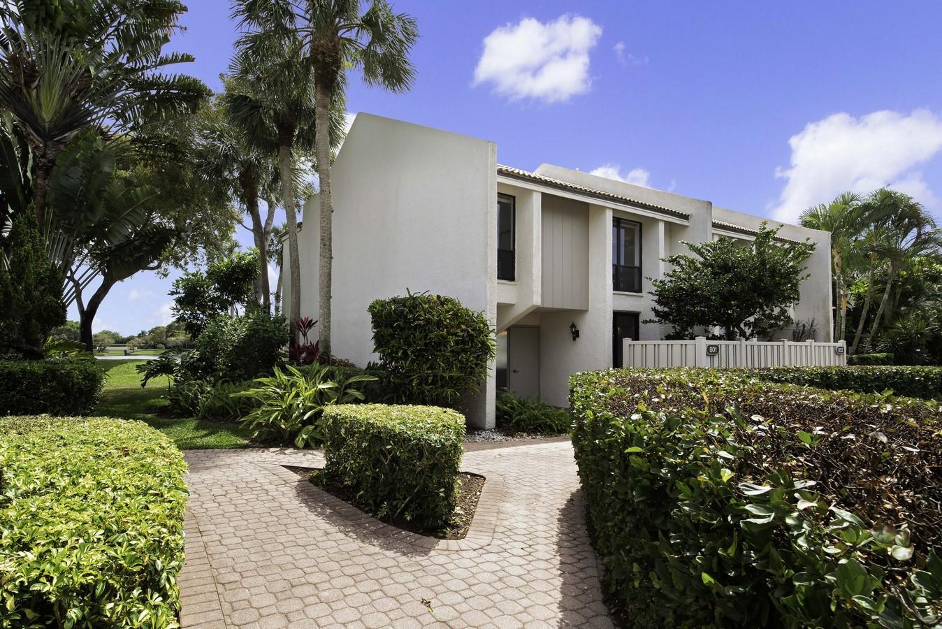 801 Bridgewood Place Boca Raton, FL 33434 photo 4