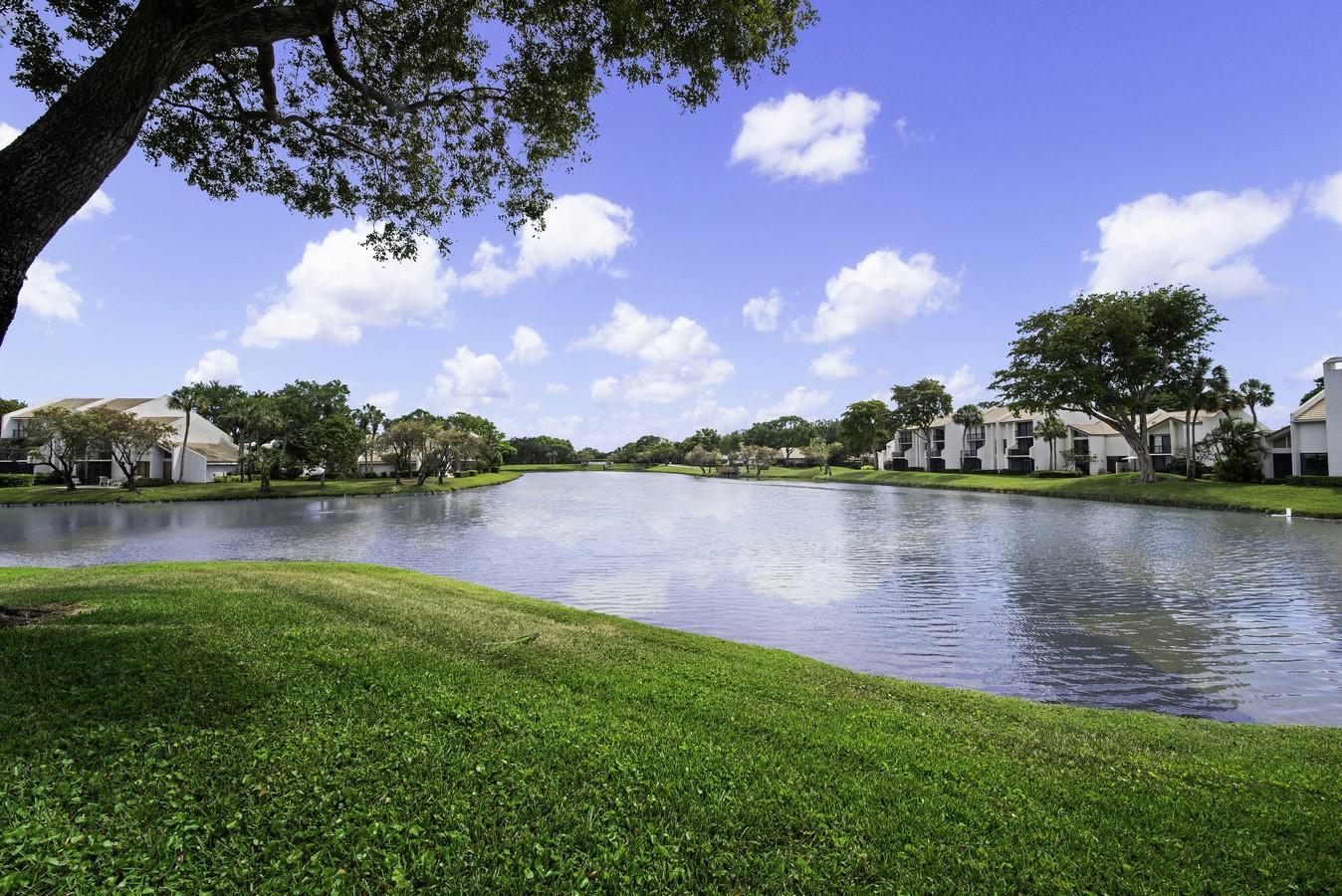 801 Bridgewood Place Boca Raton, FL 33434 photo 2