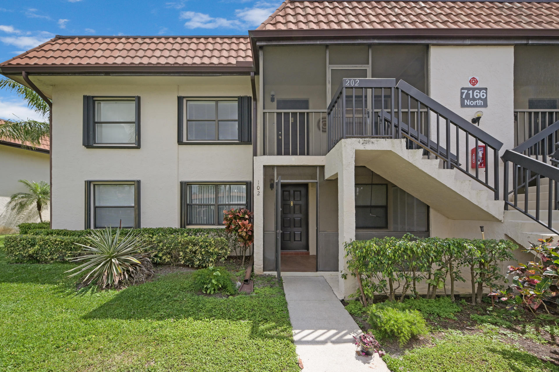 7166 Golf Colony Court 102 Lake Worth, FL 33467 small photo 2