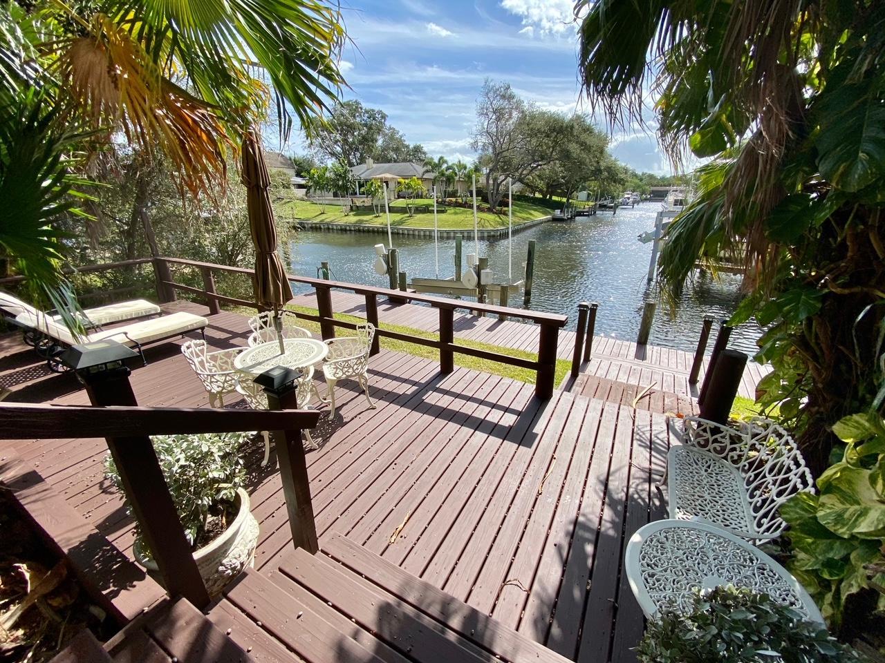 2462 Flamingo Road Palm Beach Gardens, FL 33410