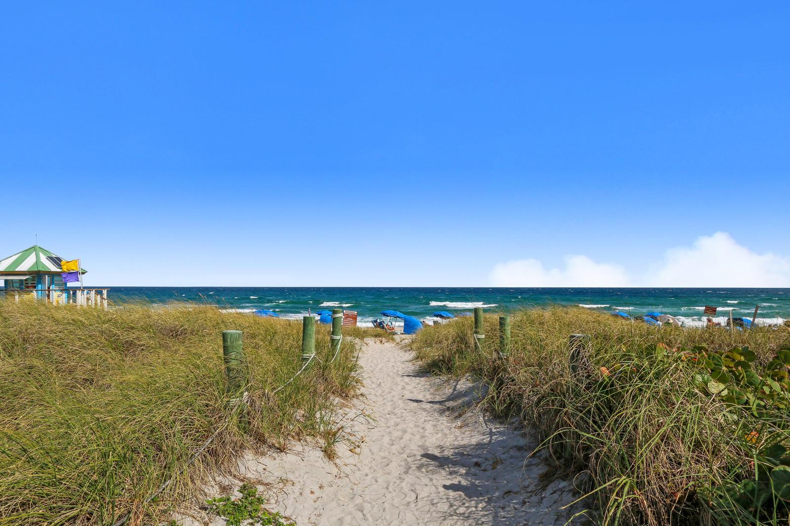 1004 Rhodes Villa Avenue Delray Beach, FL 33483 photo 5