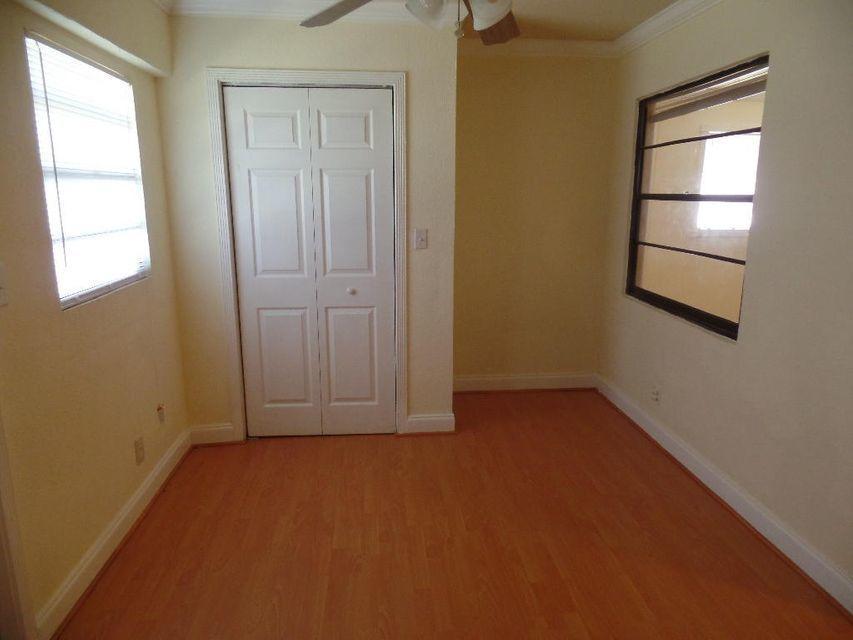 den off guest bdroom