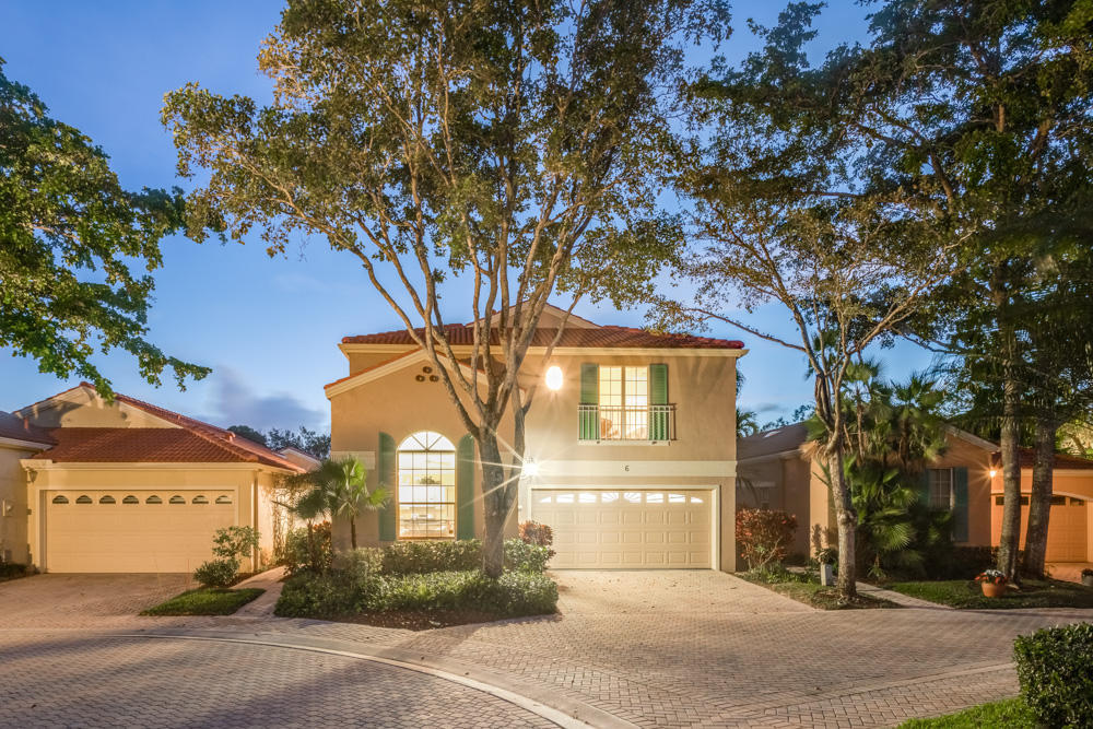 Furnished off season, through 10/25/202 $2,800/month. Beautifully updated bright & sunny, 3BR/21/2BA + loft pool home with many desirable features, located in Villa d'Este, the most picturesque subdivision in the highly sought-after PGA National community. This Mediterranean-style home l, the most desired model in the community. It features soaring two-story and barrel vault ceilings, massive square-paned windows and sliding glass doors, carpet and tiled flooring, neutral colors, crown molding, recessed lighting, and elegant light fixtures. The eat-in kitchen has been recently updated with white cabinetry, granite countertops, stainless steel appliances, and a gas stove, while the roomy master suite has access to the private patio and pool through its sliding glass doors.