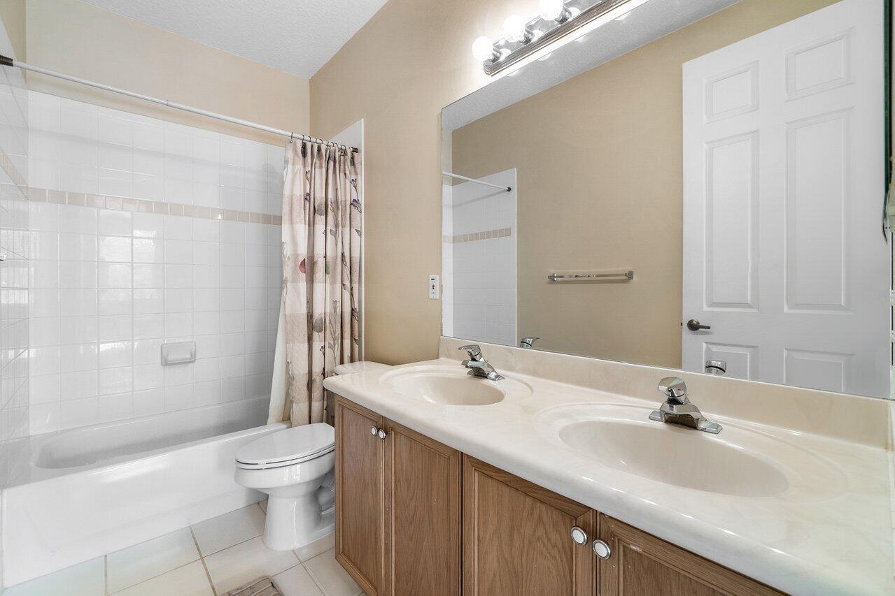 6721 Finamore Circle Lake Worth, FL 33467 photo 27