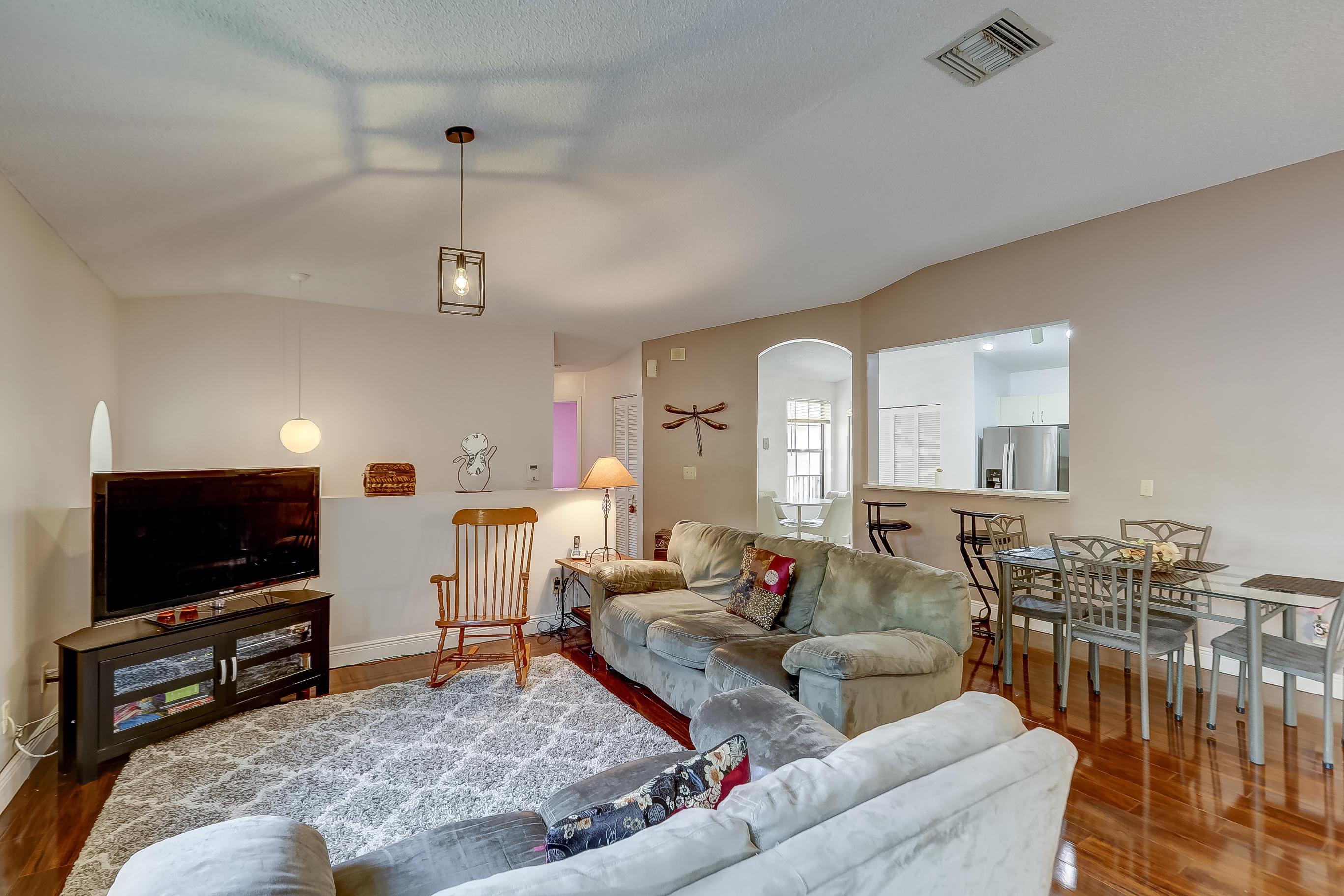 402 SW 158th Terrace 204 Pembroke Pines, FL 33027 photo 1