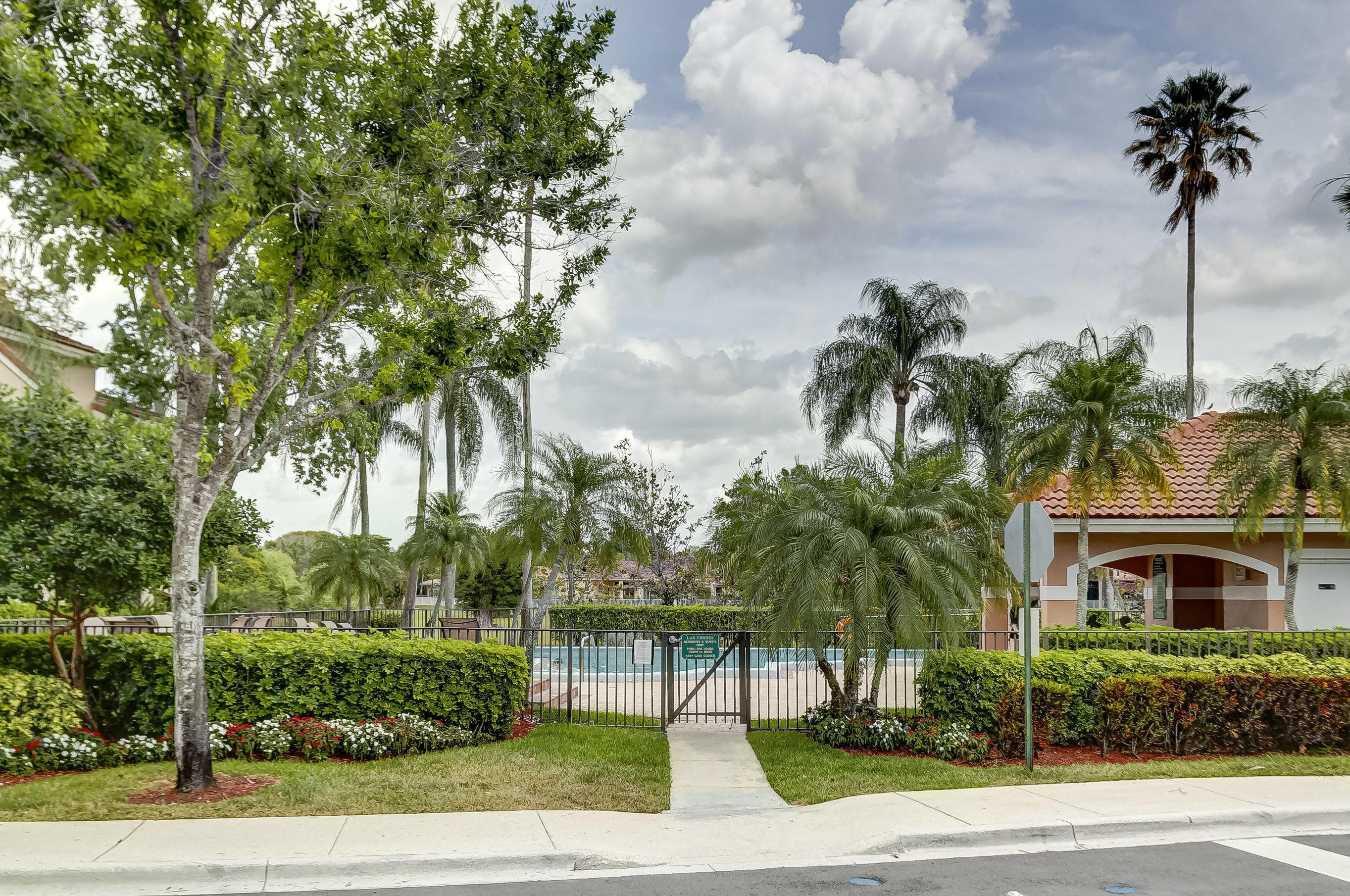 402 SW 158th Terrace 204 Pembroke Pines, FL 33027 photo 46