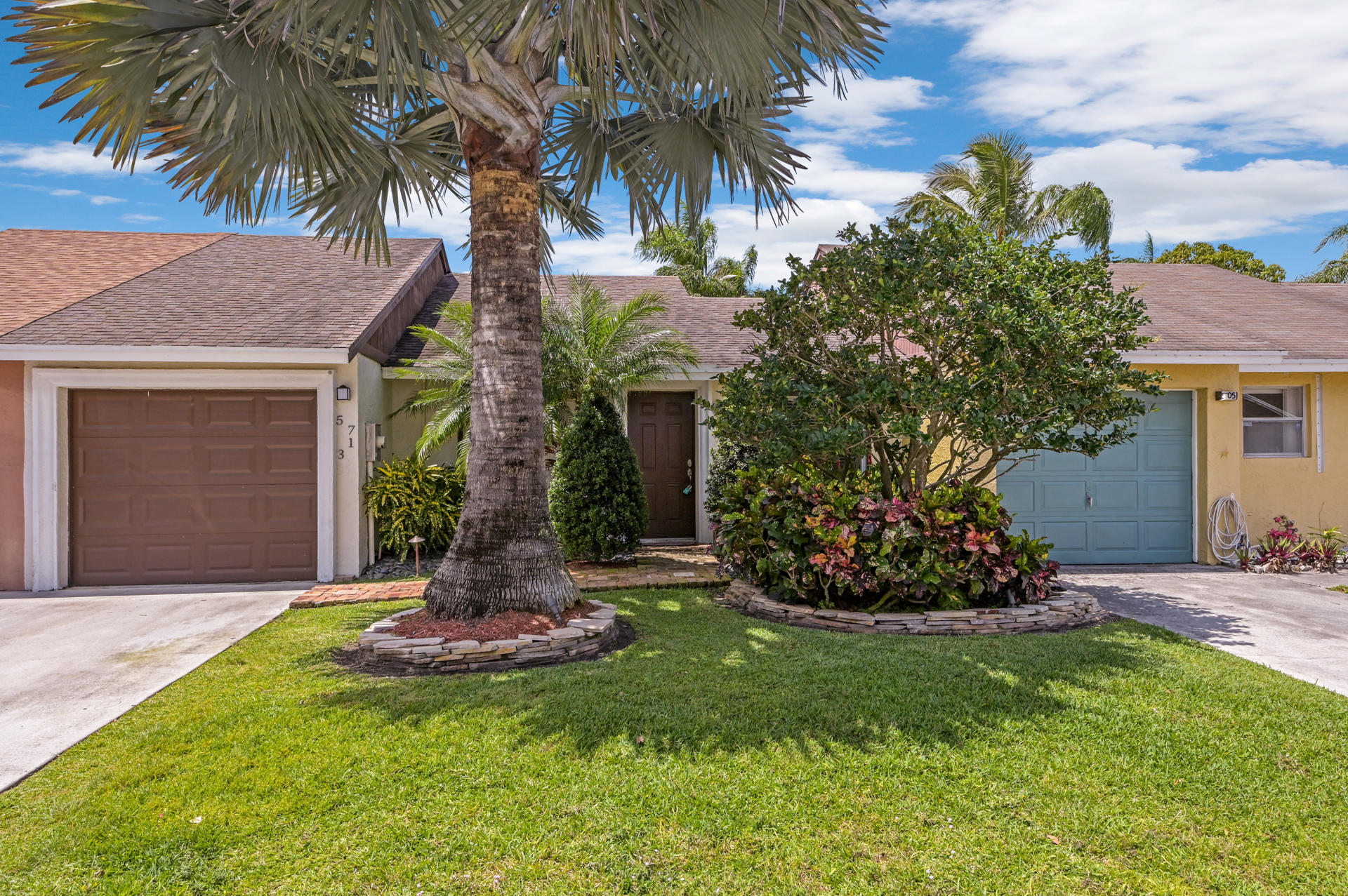 Home for sale in Lee's Crossing Lake Worth Florida