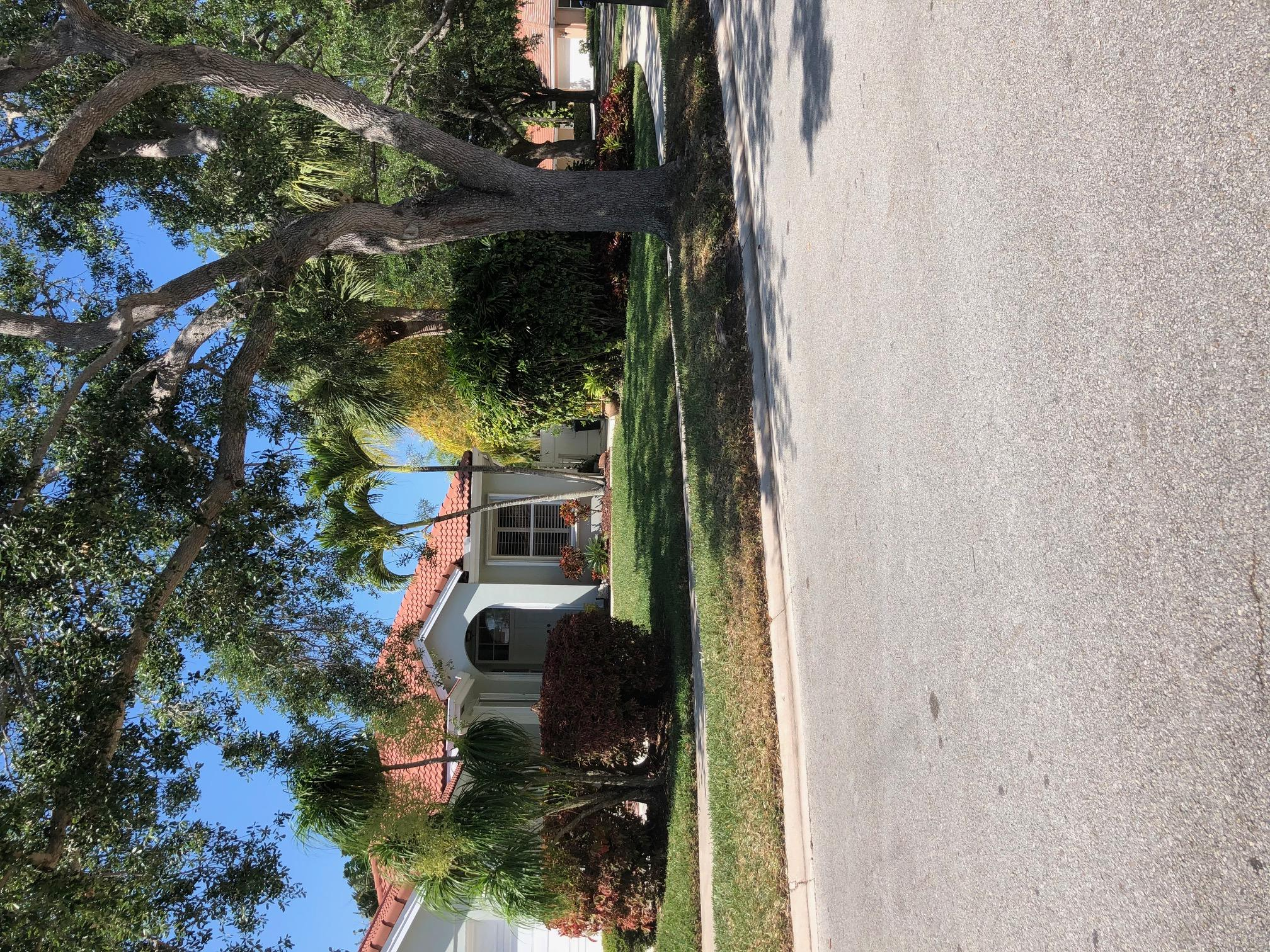 VERY NICE UPDATED HOME IN DESIREABLE JUPITER COMMUNITY HEATED PRIVATE POOL AND SCREENED LANAI! NEW A/C