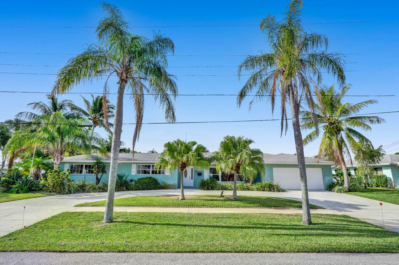 Home for sale in NORTH PALM BEACH VILLAGE OF 1 North Palm Beach Florida