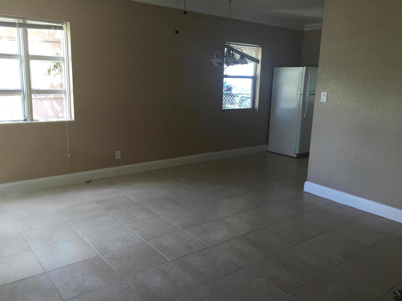 Living room (1) new
