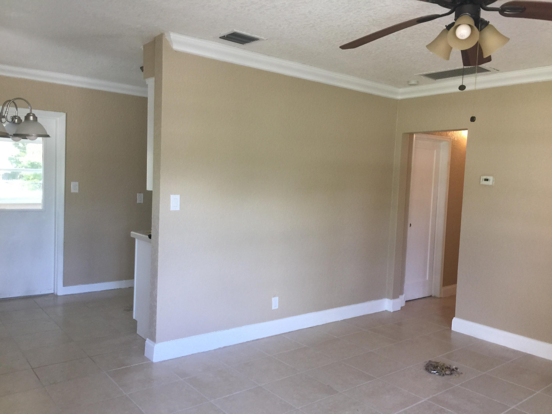Living room (2) new