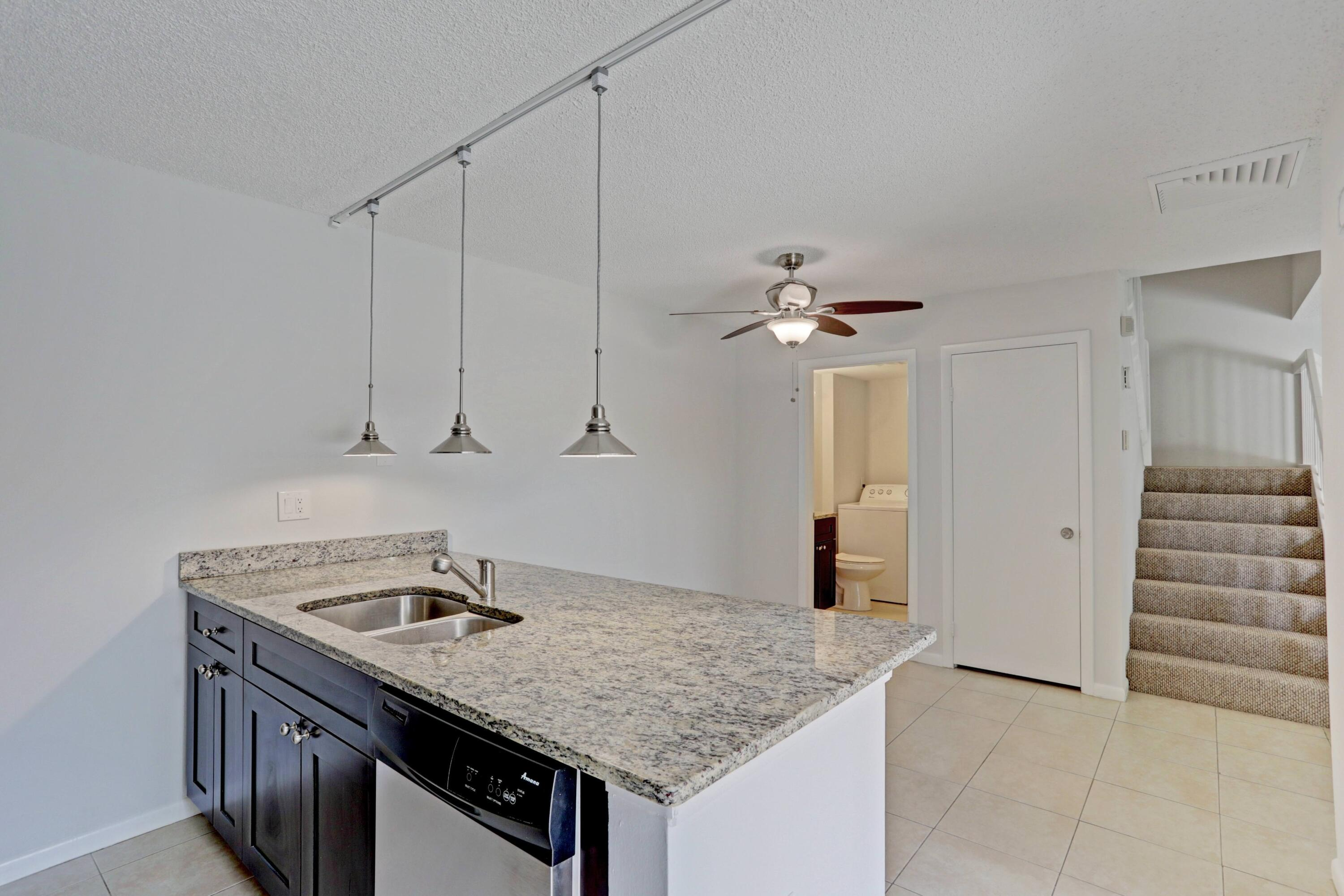 589  Green Springs Place  For Sale 10707164, FL