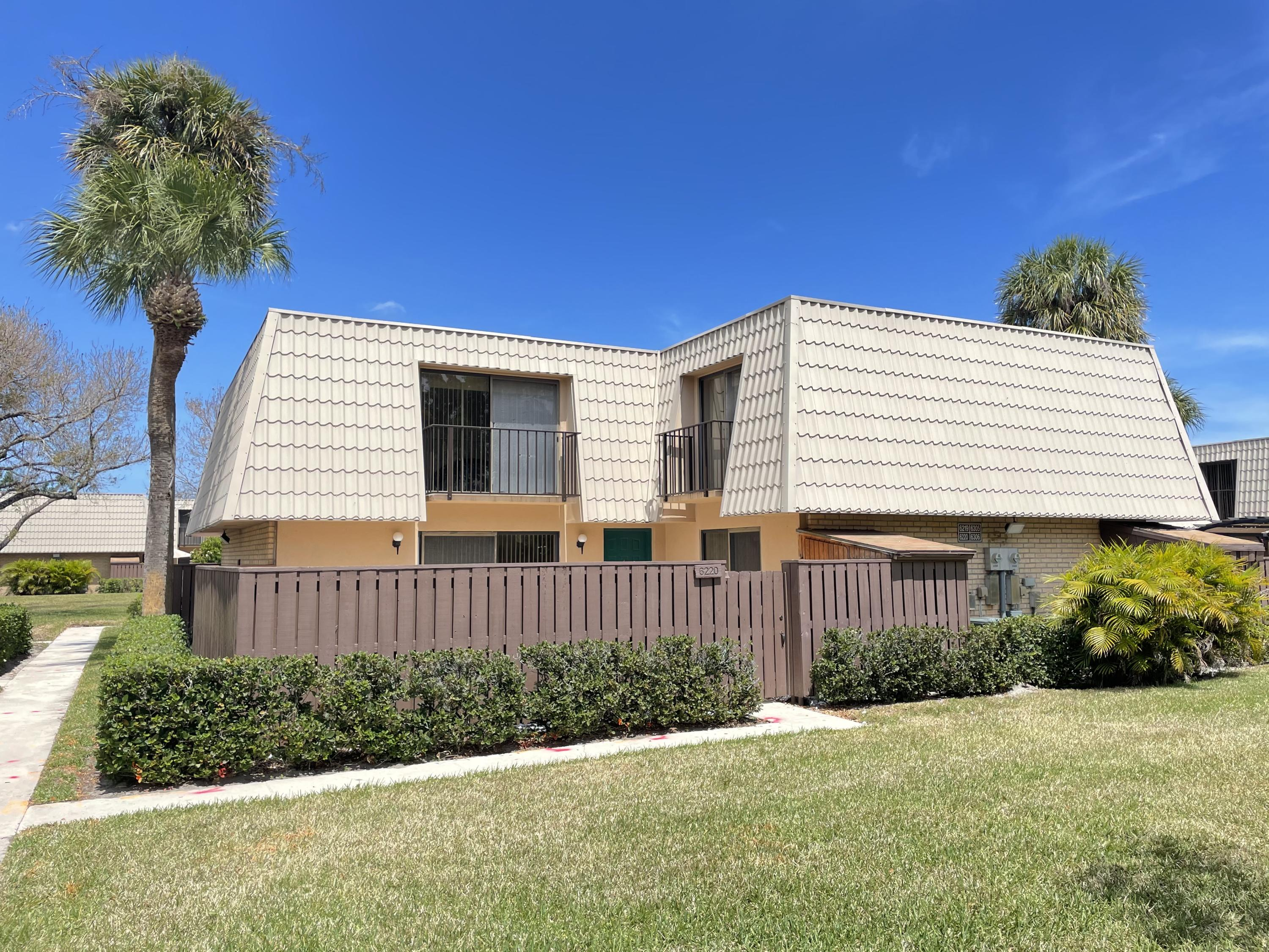 6220  62nd Way  For Sale 10706715, FL