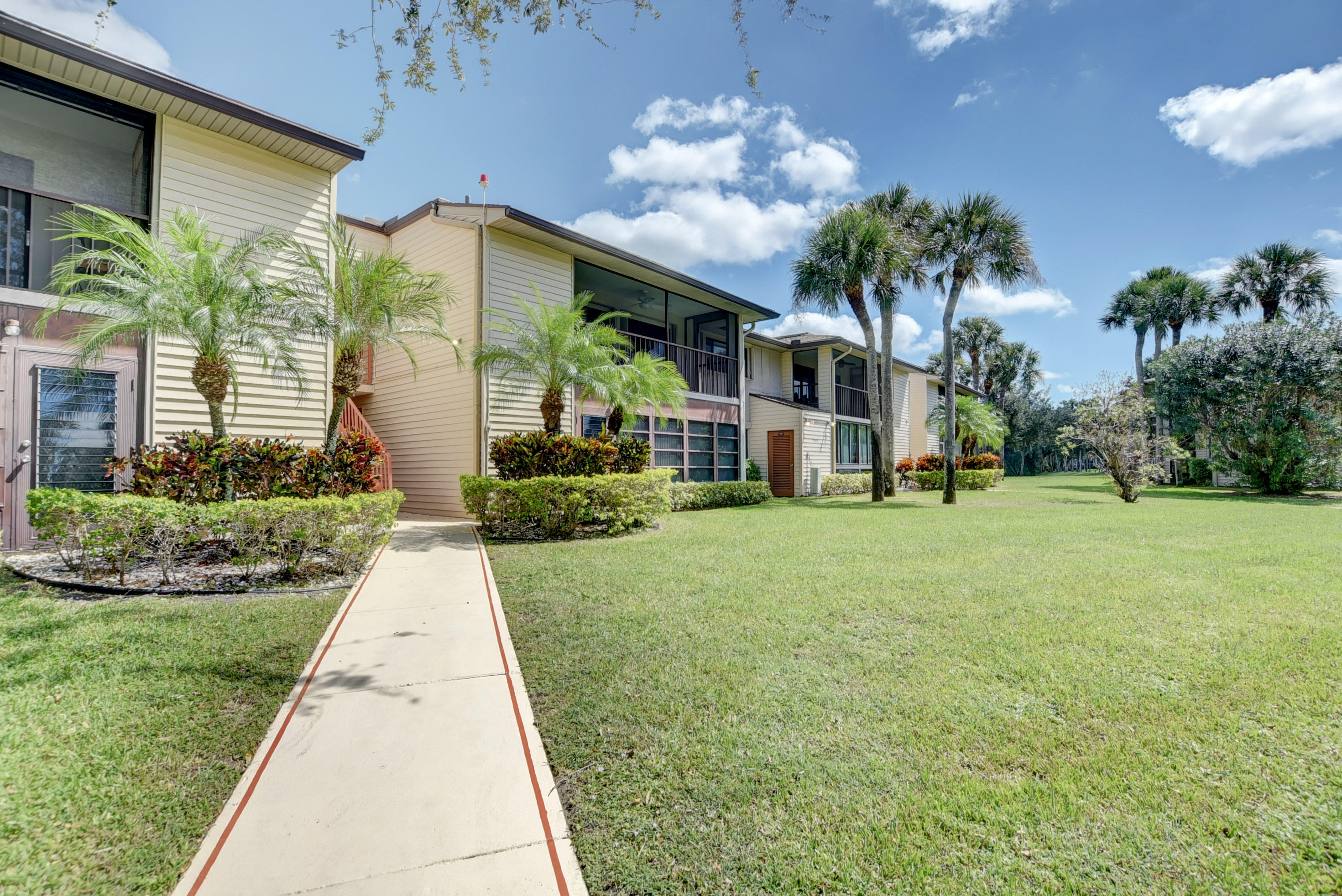 15488  Lakes Of Delray Boulevard 203 For Sale 10706804, FL