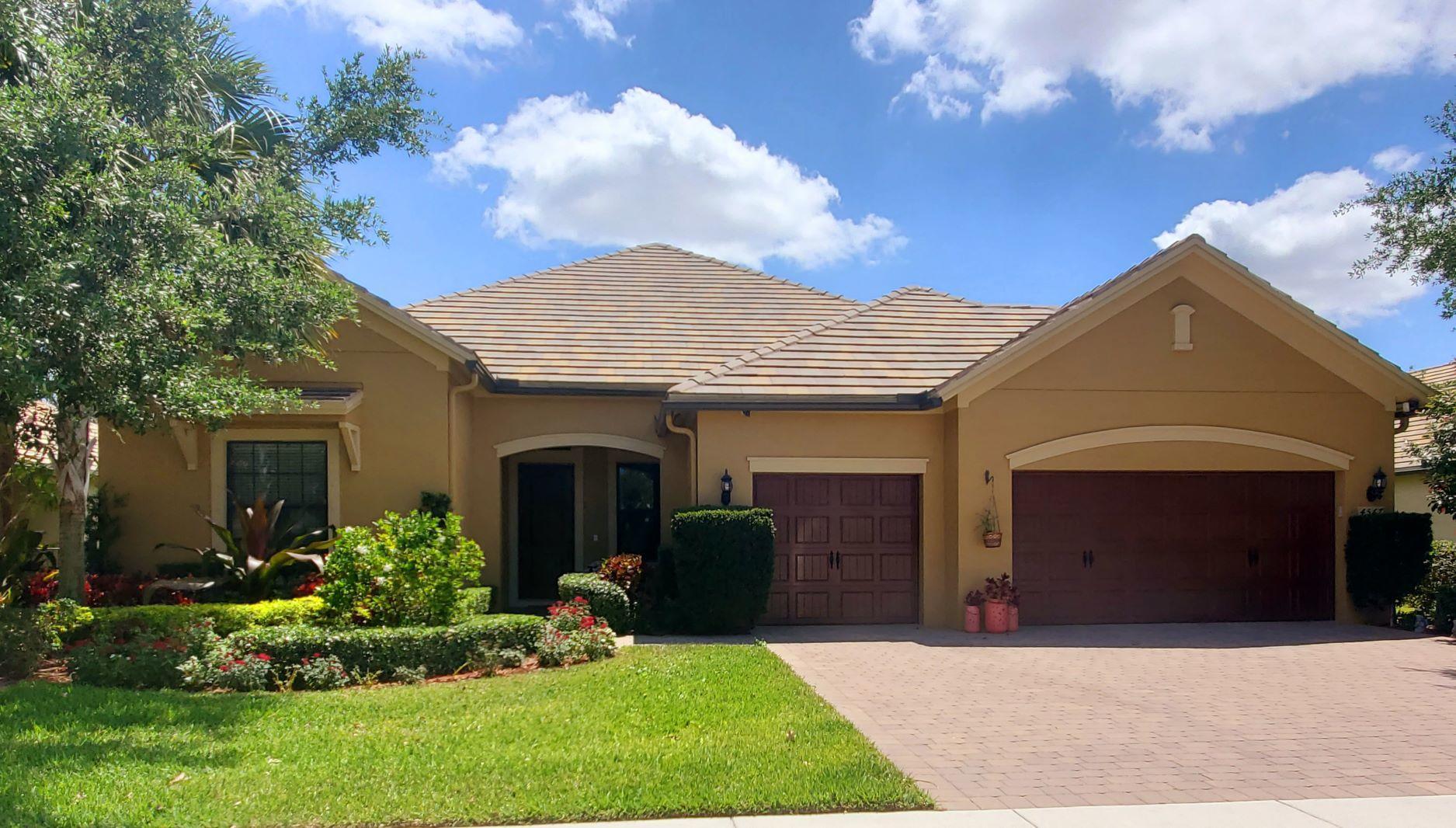 4567  Siena Circle  For Sale 10706836, FL