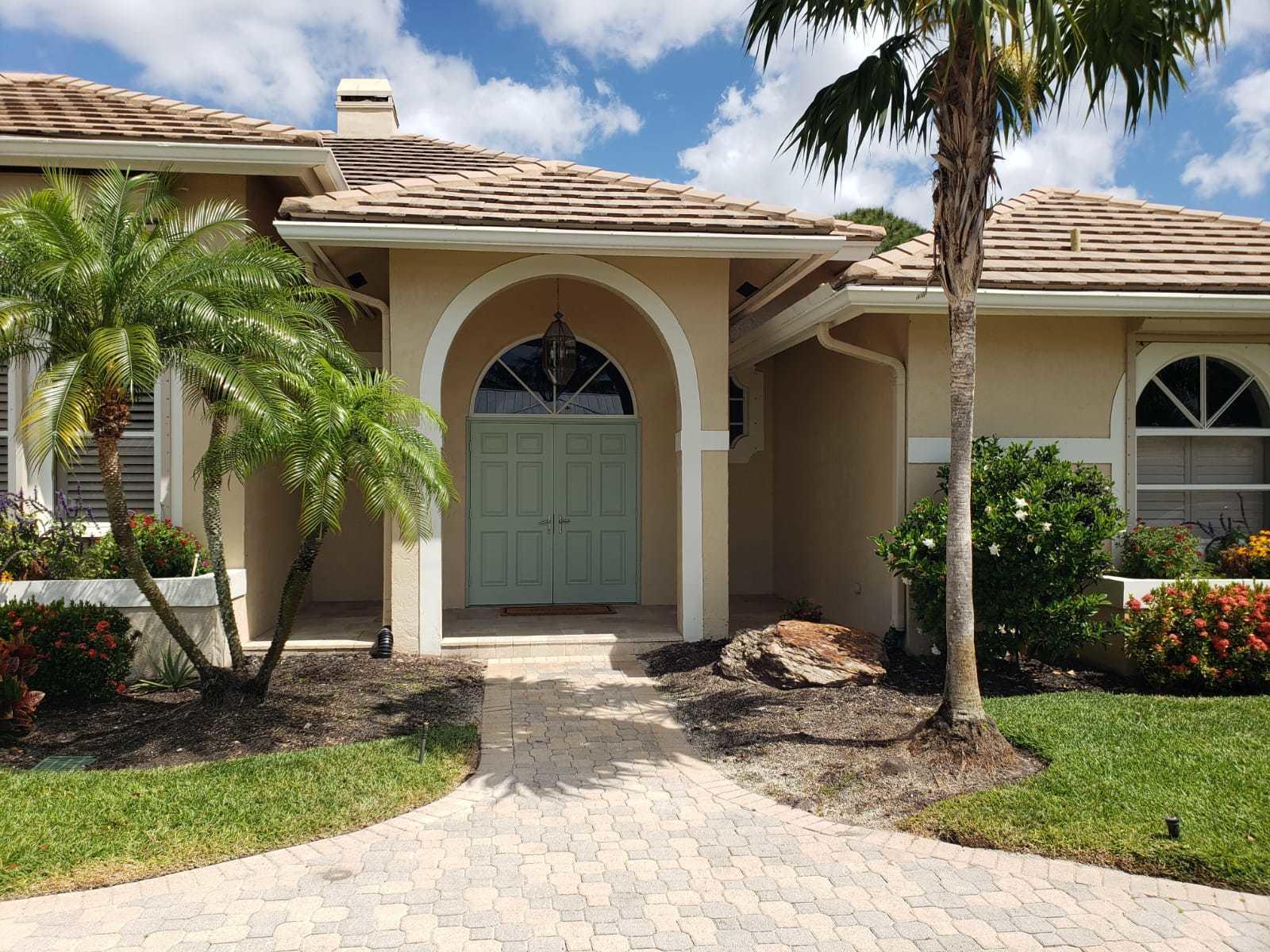 4449  Gleneagles Drive   For Sale 10706903, FL