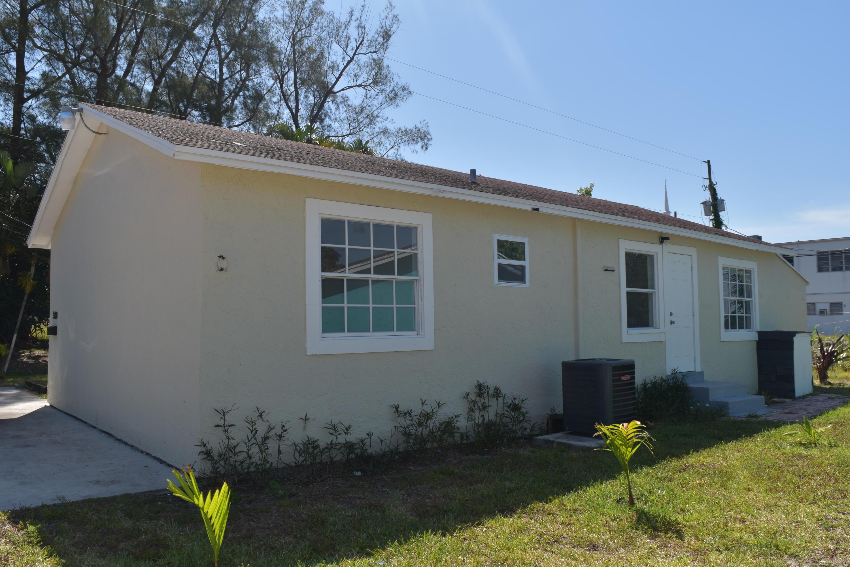 2400  Oswego Avenue  For Sale 10706992, FL
