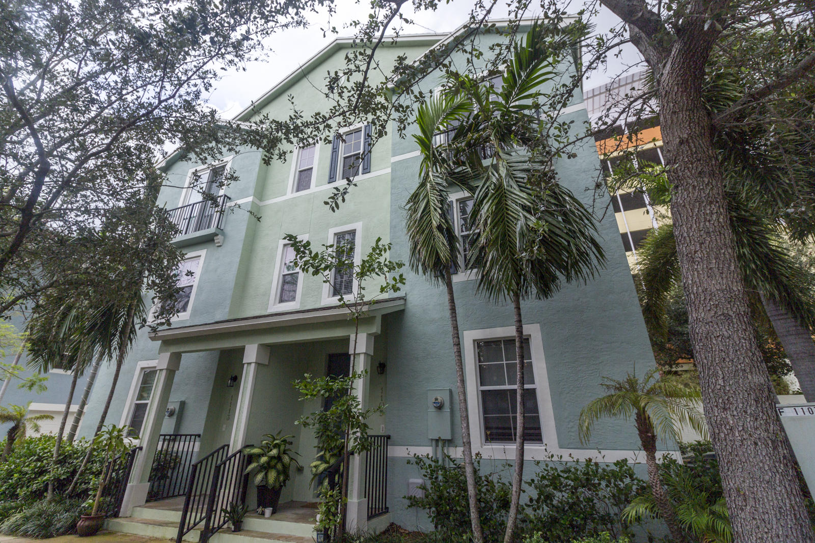 1109 Florida Avenue West Palm Beach, FL 33401 photo 1