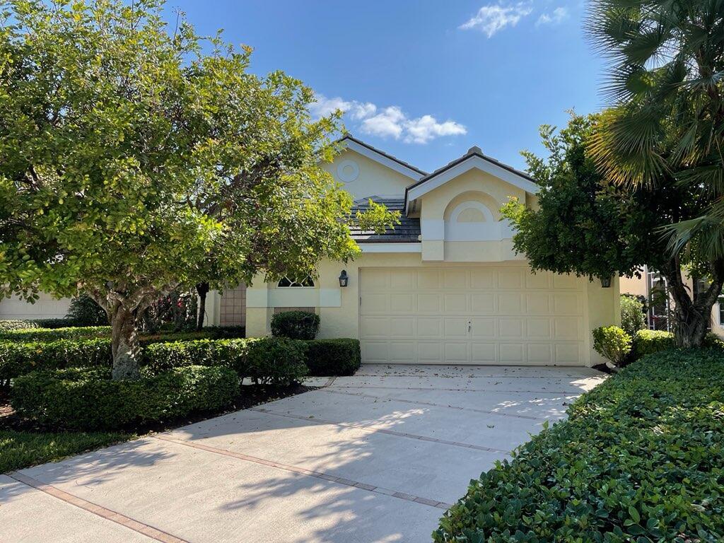 Home for sale in RIVERWIND AT JONATHANS LANDING Jupiter Florida