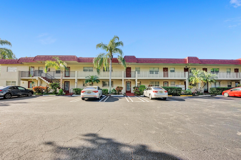 23 Abbey Lane 203 Delray Beach FL 33446